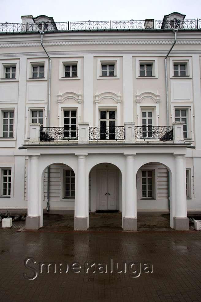 В музее-усадьбе «Полотняный Завод» проходит мини-выставка «Женский мир дворянки»