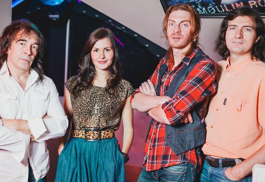 В Доме музыки прозвучат песни Елены Войтенко в исполнении её дочери Анны Войтенко и группы «RODNЫЕ&BLIZKИЕ»