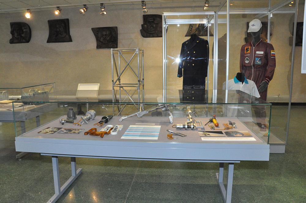 В Государственном музее истории космонавтики открылась выставка , посвящённая Герою Советского Союза Виктору Афанасьеву