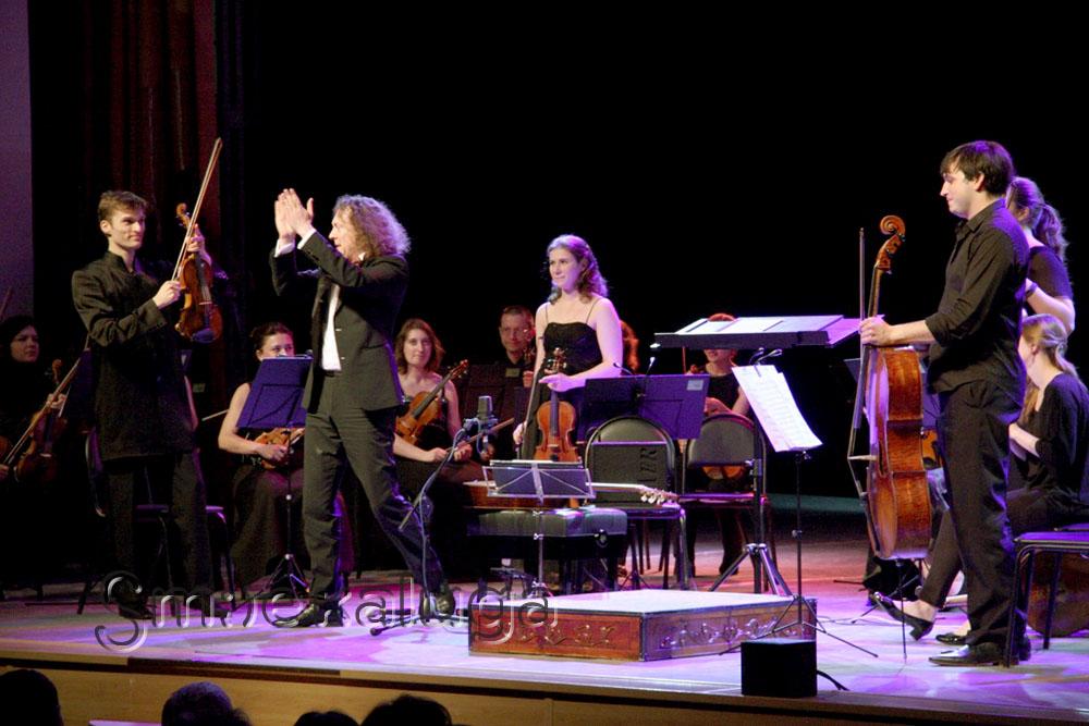 19-й Международный фестиваль «Мир гитары» открылся бенефисом Дмитрия Илларионова