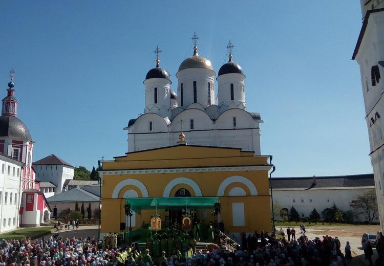 В Свято-Пафнутьевом Боровском монастыре прошёл День памяти покровителя Калужского края преподобного Пафнутия