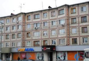 Дом на улице Кирова, украшен геометрическим орнаментом калужской перевити калуга