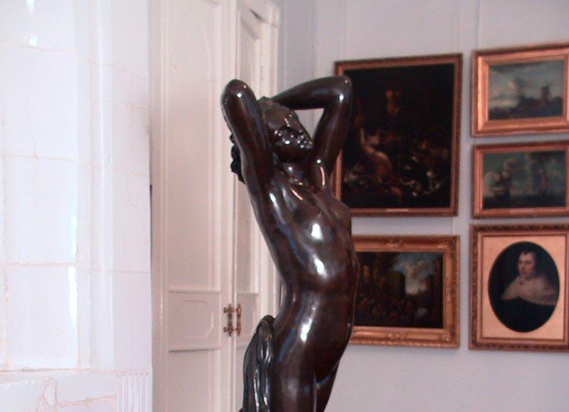 Что за богиня изображена в скульптуре «Ночь» в Калужском музее изобразительных искусств?