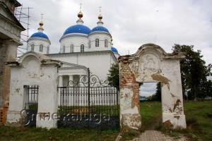 Сохранившиеся ворота Благовещенского собора мещовск