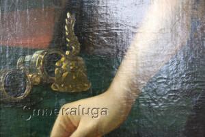 На портрете изображён театральный бинокль калуга