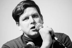 Денис Ларионов