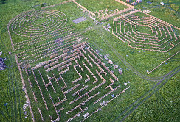 В Калужской области появился самый большой в мире лабиринт