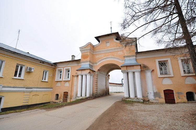 В «Полотняном Заводе» открылась выставка художника Юрия Пыхова