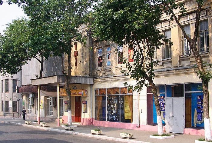 Калужский ТЮЗ откроет театральный сезон на концертной площадке «Гостиный двор»