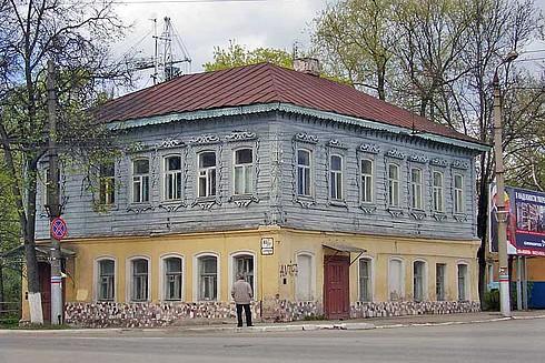 Двухэтажный дом на Королёва 65/17 приобретёт новый вид