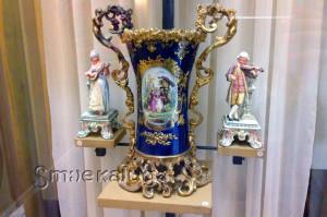 Немецкий фарфор: статуэтки и саксонская ваза калуга