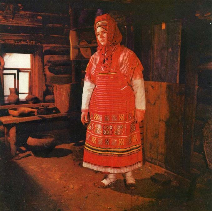 В Доме мастеров представлена выставка народных костюмов деревень Калужской области