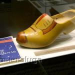 Сувенирный голландский башмак (подарок Дому-музею от космонавта) калуга