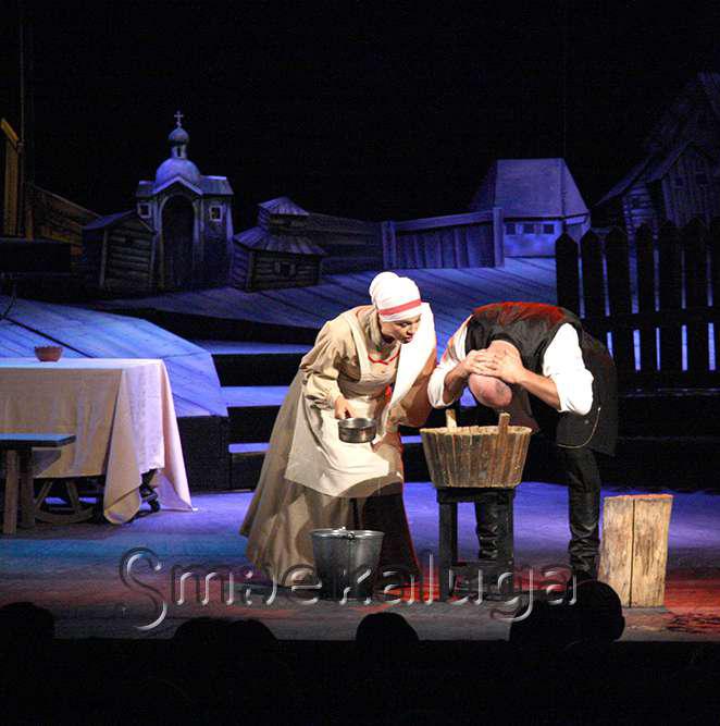Лучшим спектаклем VI фестиваля «Старейшие театры России в Калуге» стала притча «Поминальная молитва»
