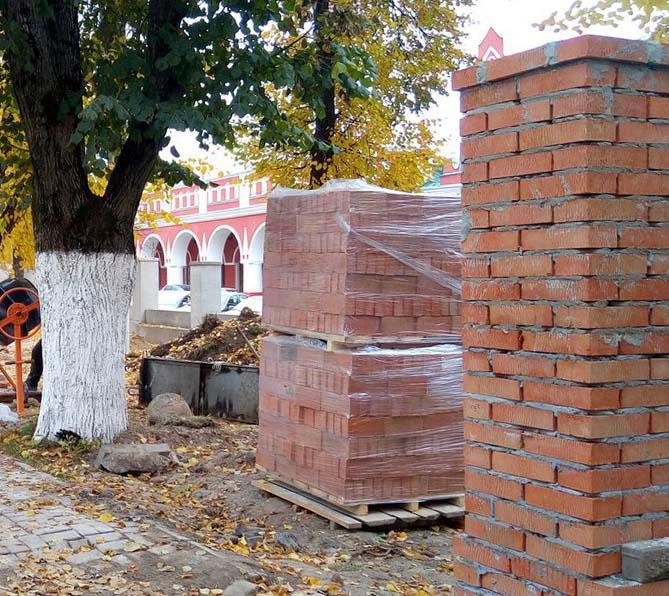 В Калуге благоустраивают сквер, посвящённый Сергию Радонежскому и Кукше Печерскому