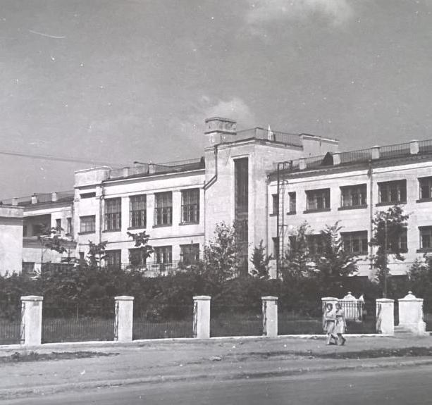 Клуб Машзавода – ГДЦ: ретроспектива. В этом году одному из старейших культурных центров Калуги исполнилось 80 лет