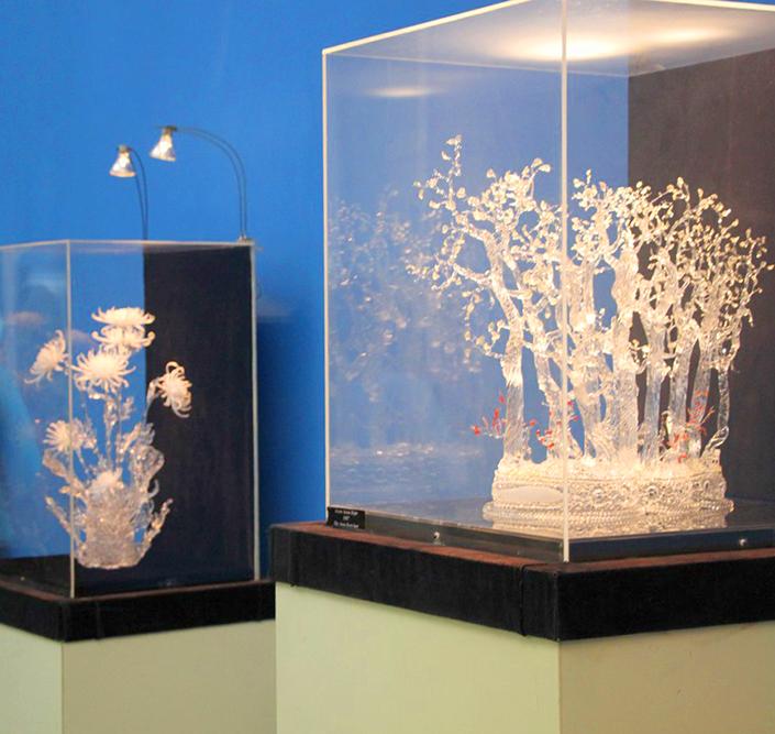 В ансамбле Гостиного двора открылся Музей стекла Алексея Зеля