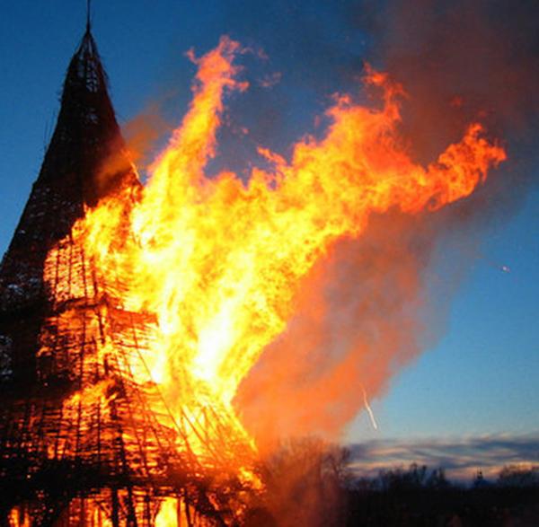 На Масленицу в Никола-Ленивце Николай Полисский представит новую огненную скульптуру