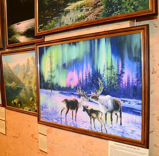 В фойе Танеевского зала проходит выставка репродукций знаменитых и малоизвестных русских пейзажей