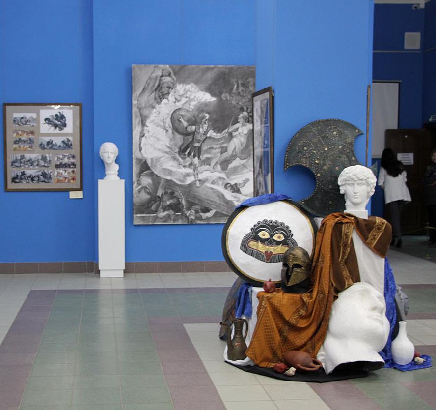 В Калужском музее изобразительных искусств проходит выставка «Диалоги с Гомером»
