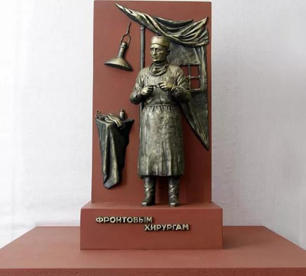 В Калуге установят памятник фронтовым хирургам