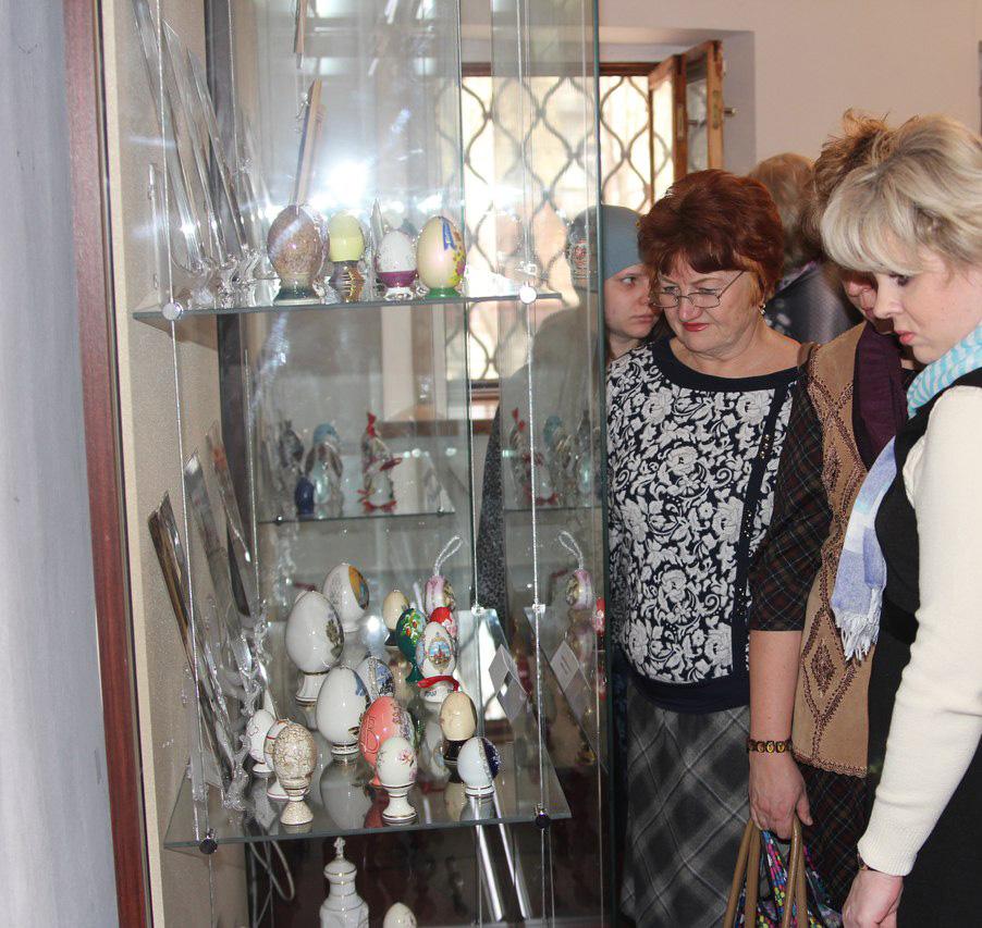 Калужский объединенный музей-заповедник представил две выставки, посвященные Пасхе