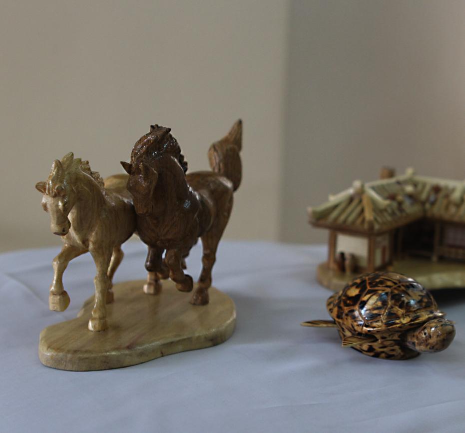 Калужский музей изобразительных искусств представляет выставку прикладного искусства КНДР