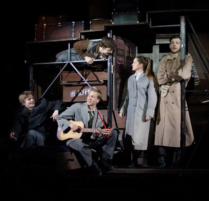 В Калужском областном драматическом театре поставлены «Пять вечеров» Александра Володина