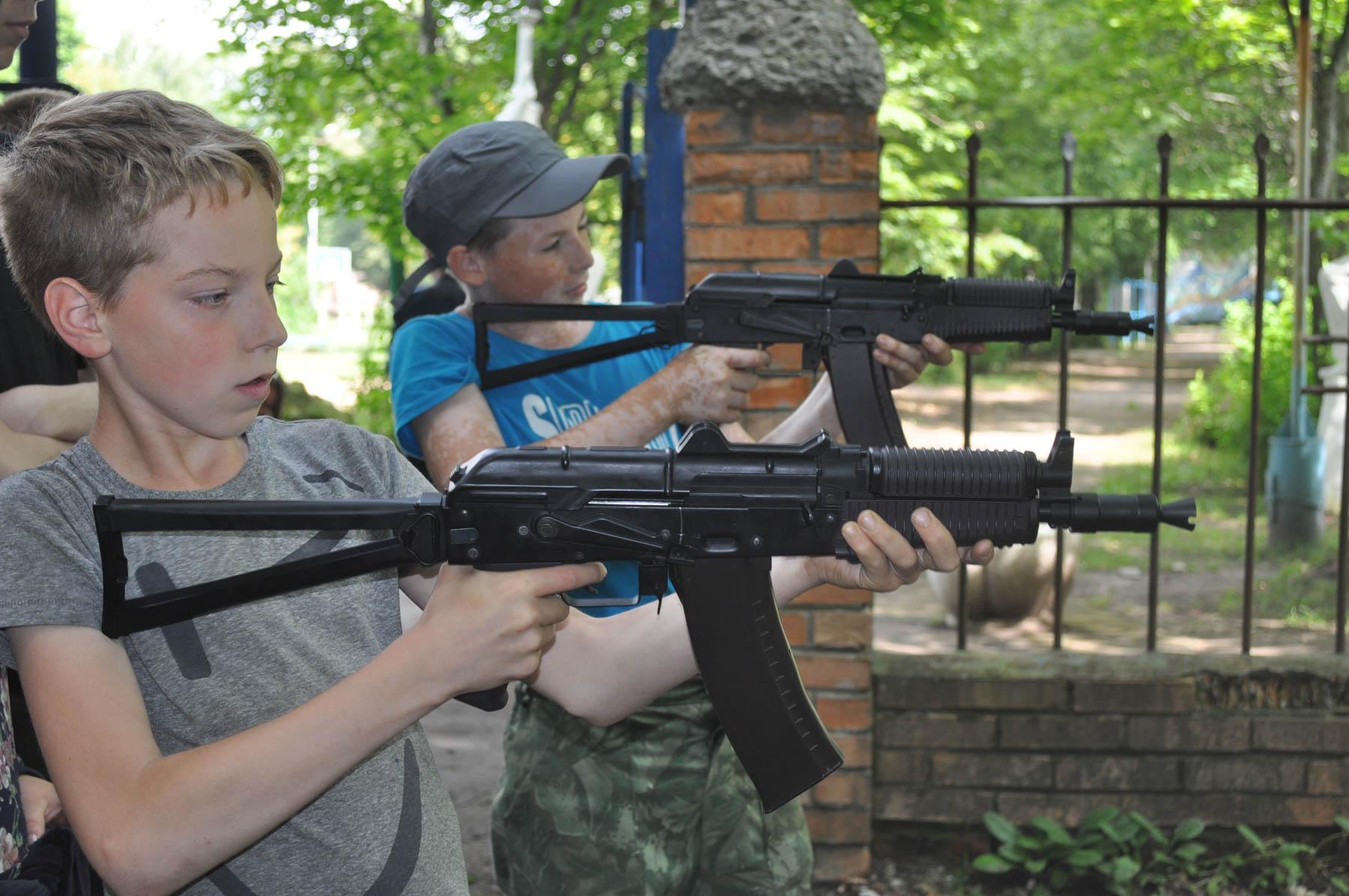Калужские школьники стали участниками военно-тактической игры
