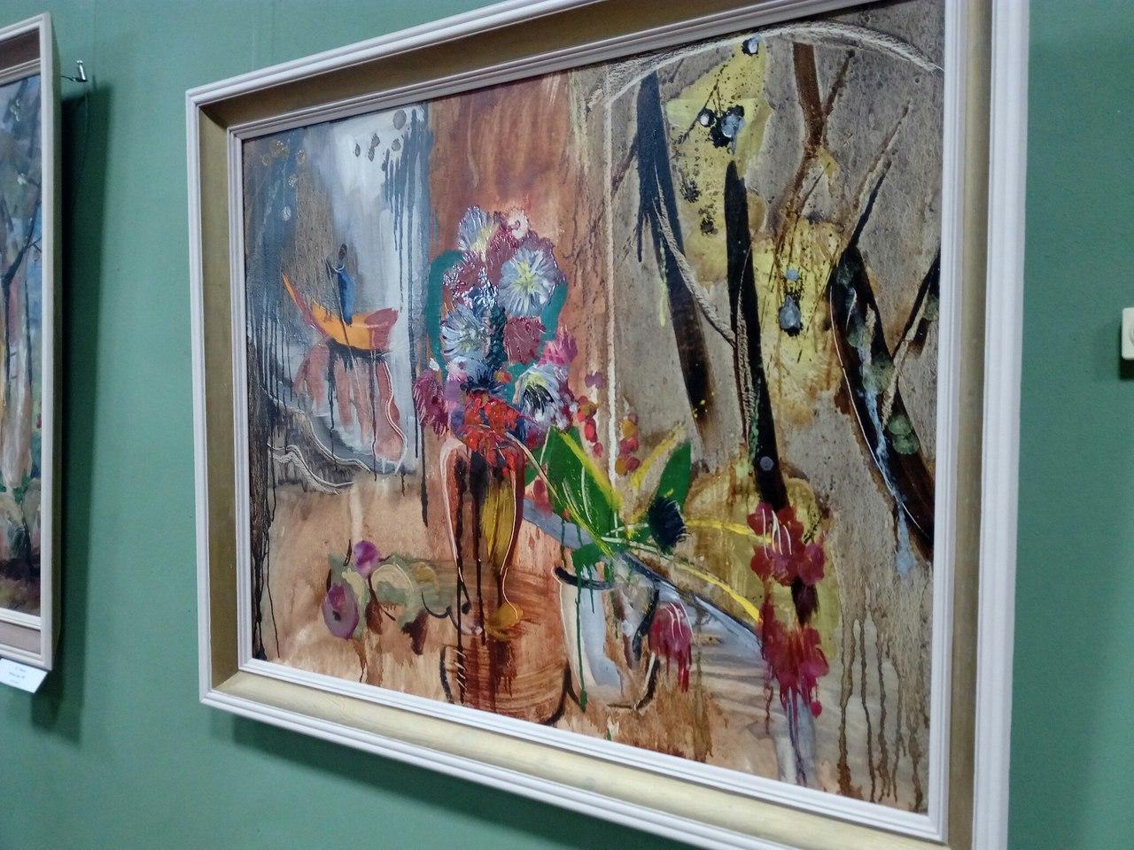 В Калуге открылась выставка «Цвет и образ»