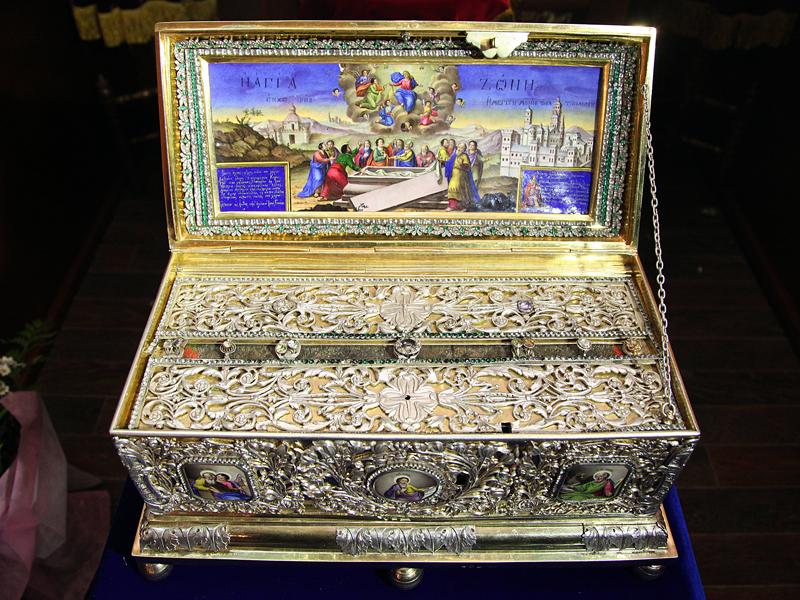 В Калугу прибыл ковчег с частицей Пояса Пресвятой Богородицы