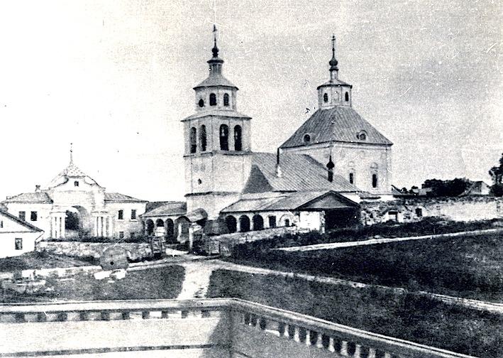 В Полотняном Заводе восстанавливают храм Преображения Господня