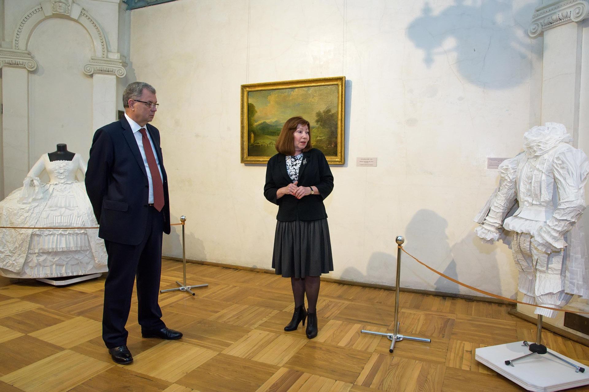 Анатолий Артамонов посетил вернисаж «Эдуард Штейнберг. Пространство памяти»