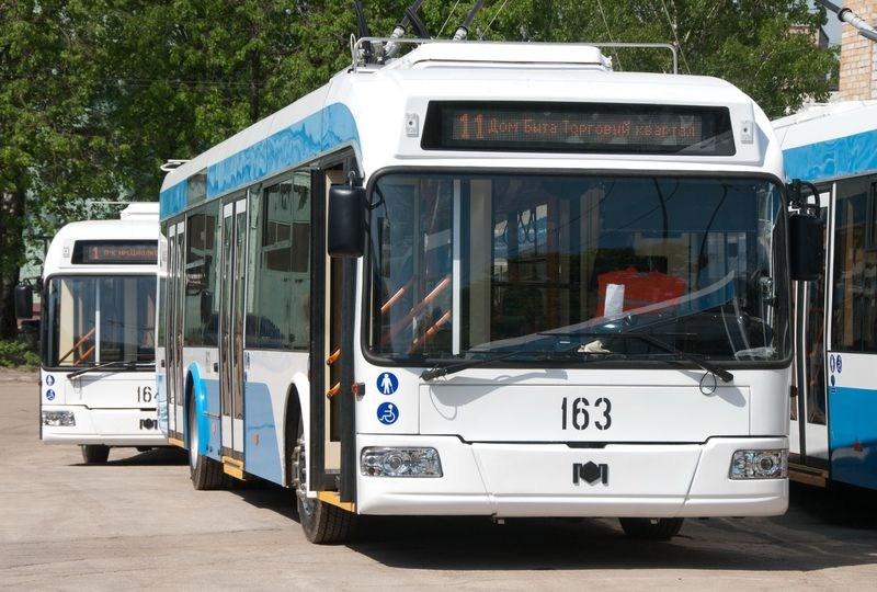 В калужских троллейбусах теперь можно оплачивать проезд картой