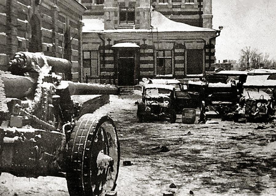 В Калуге провели историческую реконструкцию боя 1941 года