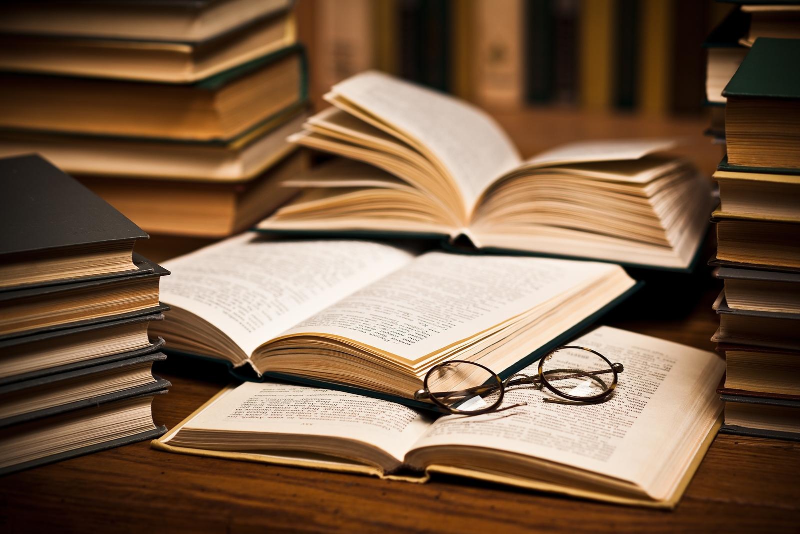 В Областном молодежном центре открылось литературное кафе