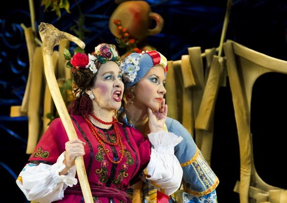 За двумя зайцами в Калужском областном драматическом театре