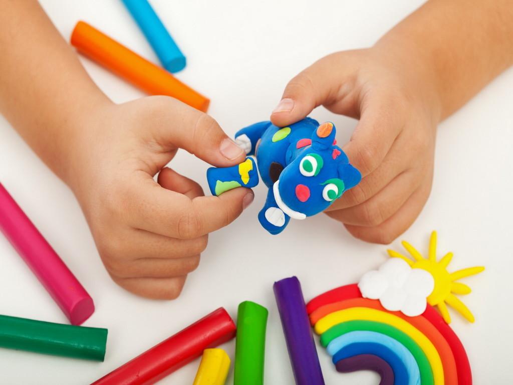В ТЮЗе открылась выставка детского творчества