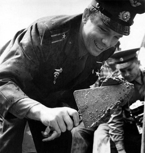 В этот день более полувека назад Калугу посетил Юрий Гагарин