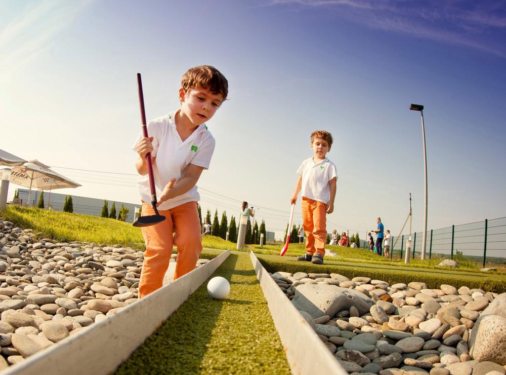В Калуге состоялся детский турнир по мини-гольфу