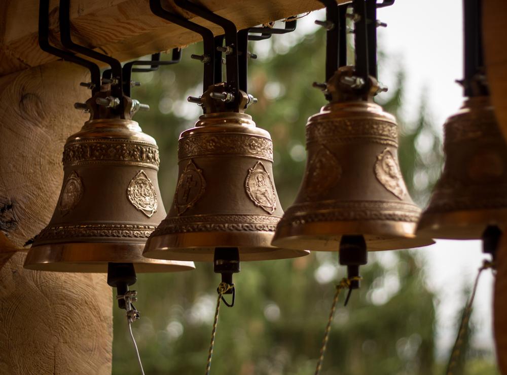 В Полотняном Заводе освятили колокола Храма в честь Преображения Господня