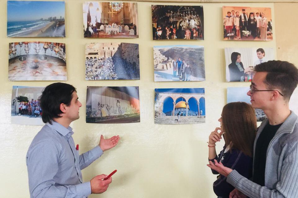 В Кондрово открыли выставку «Россия — Святая земля: связь времен, поколений»