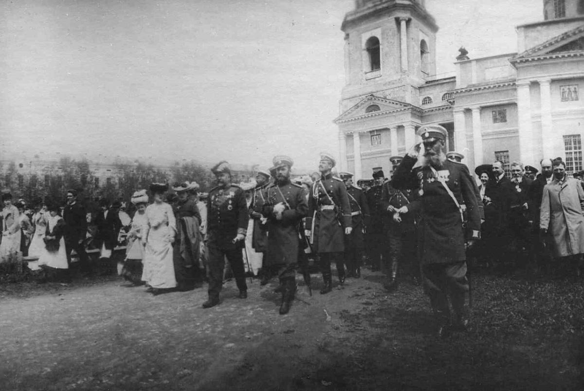 В 1904 году Император Николай II приехал в Калугу