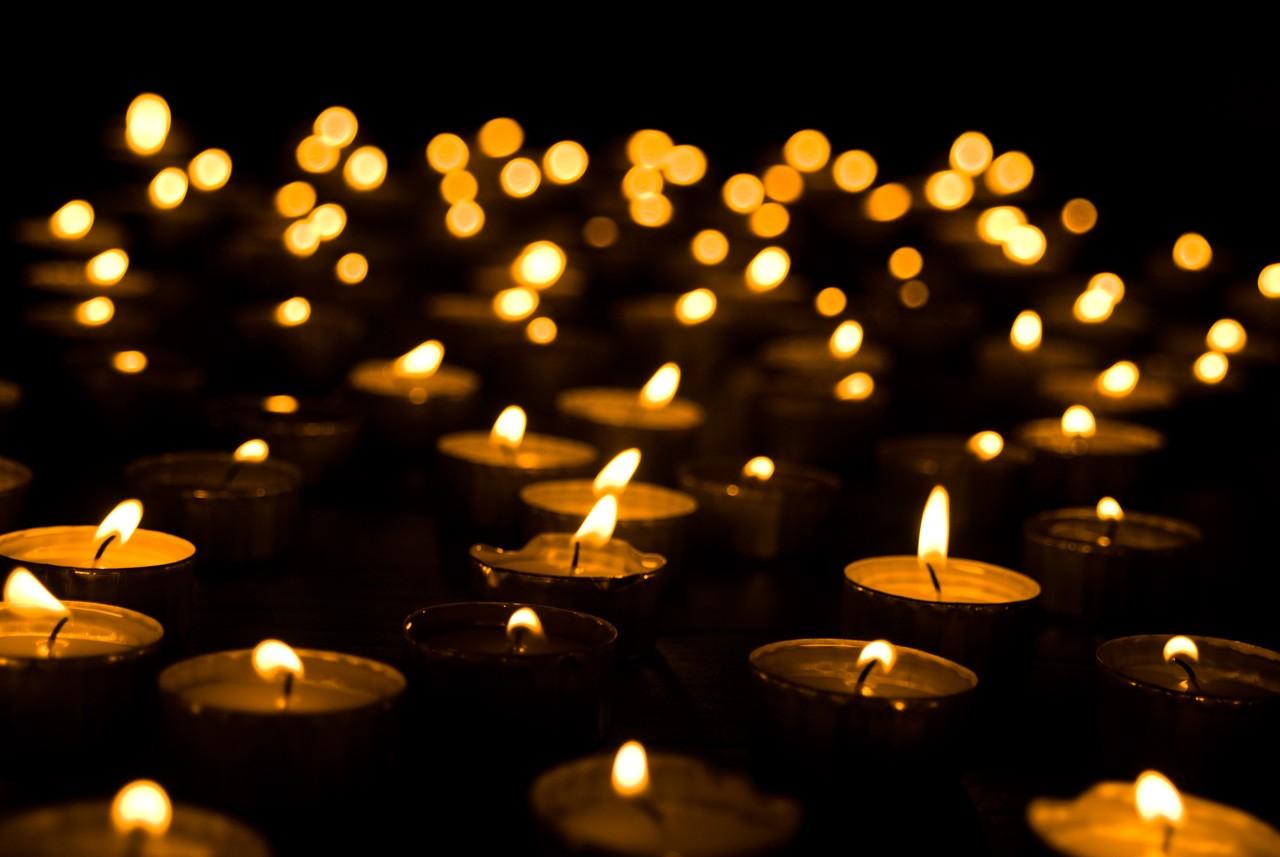21 июня калужане зажгут свечи на площади Победы