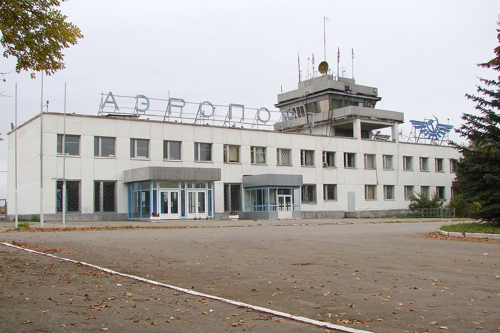 В 1978 году Калужский аэропорт принял первый регулярный пассажирский рейс