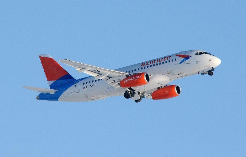 Авиакомпания Азимут проводит сезонную акцию по распродаже авиабилетов