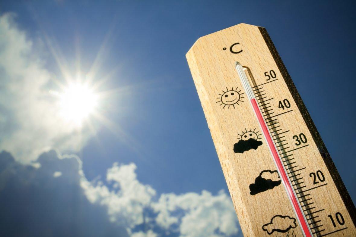 До конца лета сохранится теплая погода