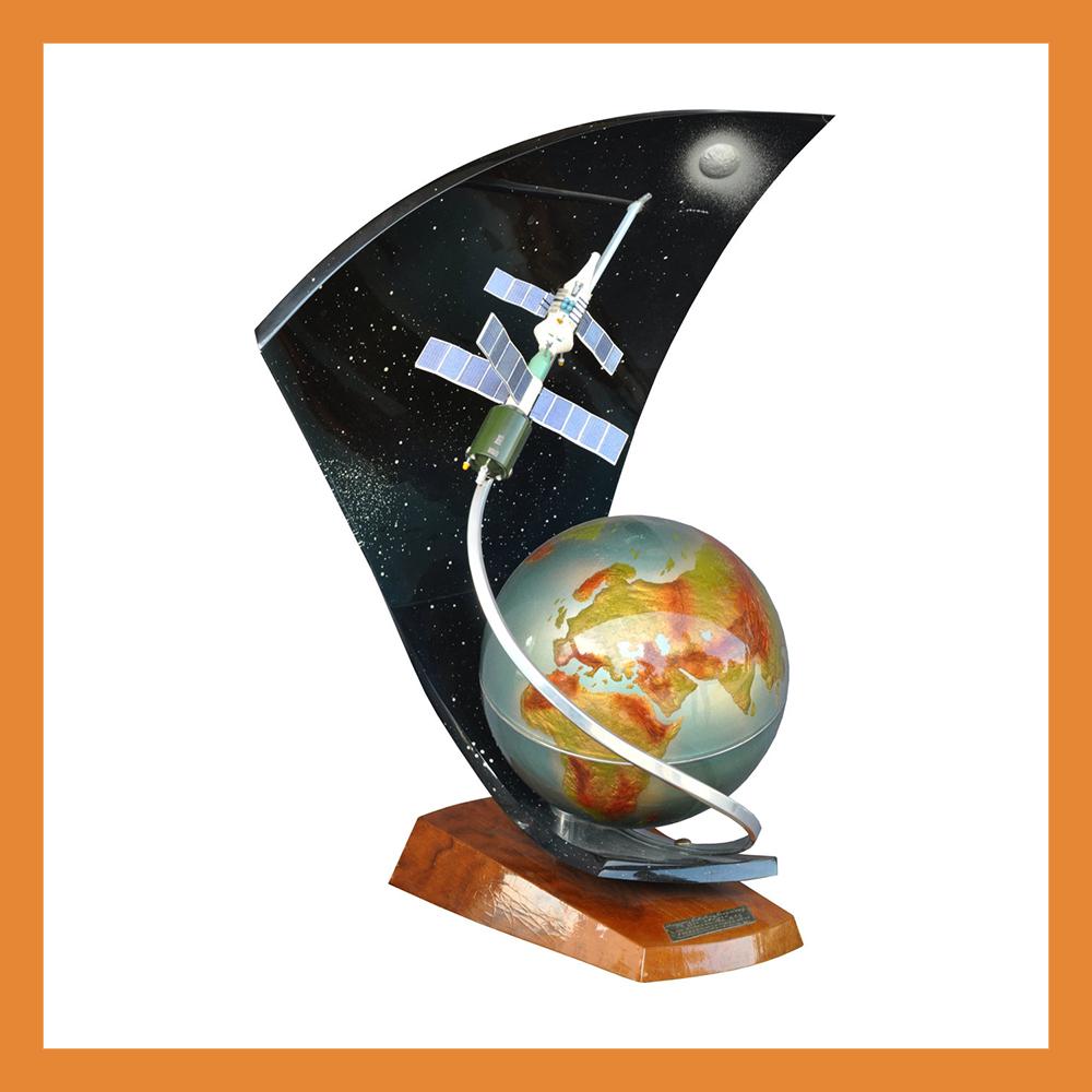 Открылась выставка «Памятные предметы в истории космонавтики из собрания ГМИК им. К.Э. Циолковского»