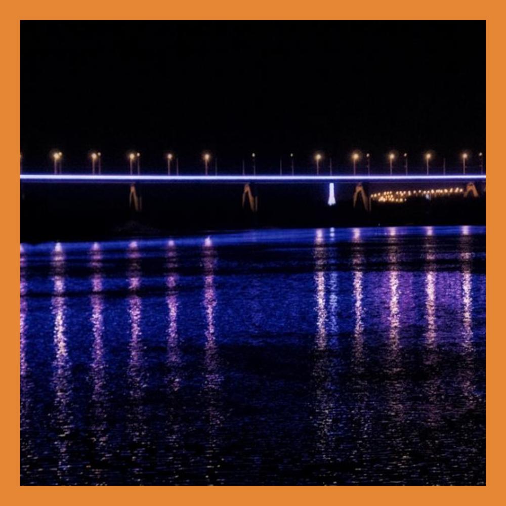 Гагаринский мост украсили подсветкой