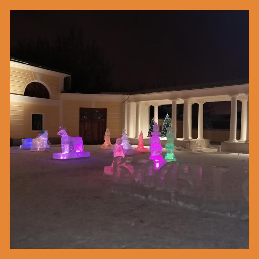 Во дворе Краеведческого музея появились ледяные скульптуры